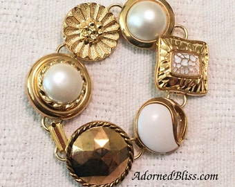 White Vintage Button Bracelet / White and Gold / Jewelry / Button Bracelet / Bridal Wear / Women's Gift Ideas / Summer Fashion / Bridal Wear