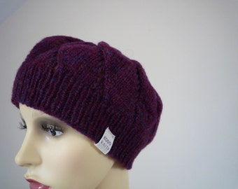 Hand Knit lambswool beret with lace pattern