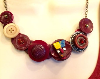 African Allure button necklace