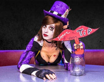 Mad Moxxi table 8x10