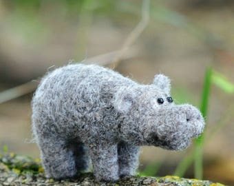 Hippo Felting Kit - Needle Felting Kit - DIY Kit - Craft Kit - Felting Supplies - DIY Craft Kit - Starter Kit - Needle Felted – Beginner