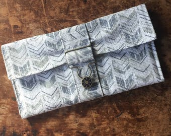 Arrow Green keeper Wallet with overall buckle