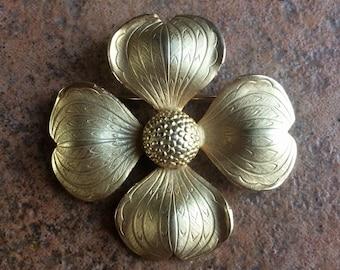 VINTAGE GIOVANNI dogwood flower BROOCH pin