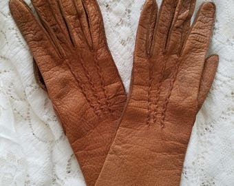 Leather driving gloves, Vintage gloves, classic chic