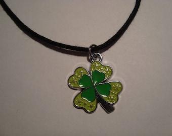 Pendant 4 clover leaf green