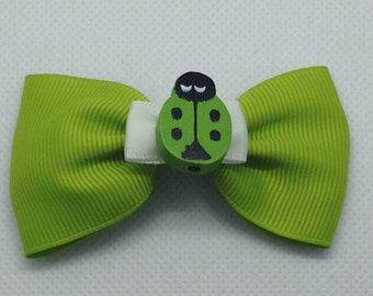 Green ladybug crocodile clip bow