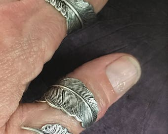Feather Ring, Steampunk Feather, Steampunk Ring, Feather Wrap Ring, Boho Feather Ring, Thumb Ring, Plume Ring, Wrap Ring