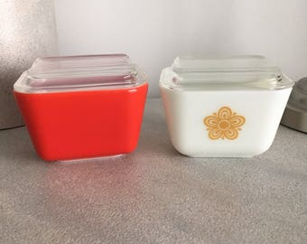 Vintage 501 Pyrex Containers with lids