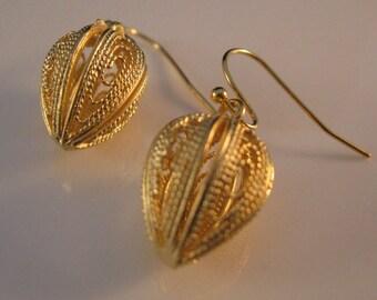 3 dimensional gold earrings, filigree earrings, gold earrings, drop earrings, dangle earrings, filigree, drop, dangle, earring