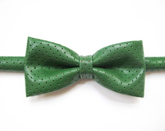 Retro Green faux leather bow tie, green leather mesh