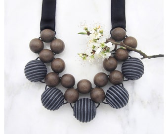 Statement Necklace / Gift for Her / Wooden Necklace / Boho Necklace / Wooden Jewelry / Bead Necklace / Collar Necklace / Bib Necklace