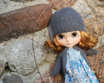 sweater and hat for Blythe