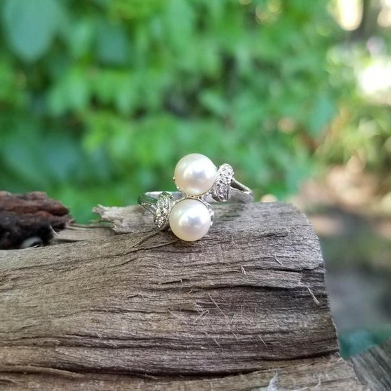 Vintage mid century 14k white gold pearl and diamond bypass ring, size 7, bridal, vintage bride