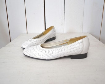 90s Leather Flats Woven White Slip Ons Vintage Skimmer Flats Romano Womens Size 7
