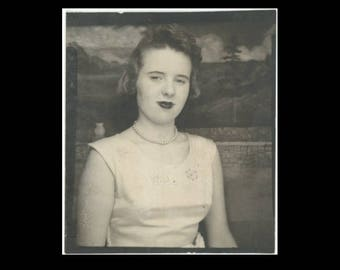 Vintage PhotoBooth Arcade Photo, c1950s: Girl with Pearls (74568)