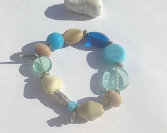 """Seaside"" glass beaded elastic bracelet"