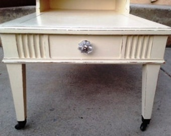 Vintage Side End Table in Heritage Cream Paint