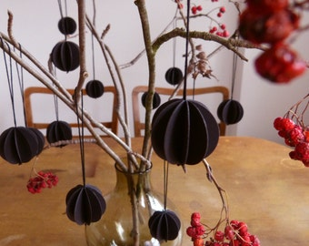 3 paper balls black paper pendant