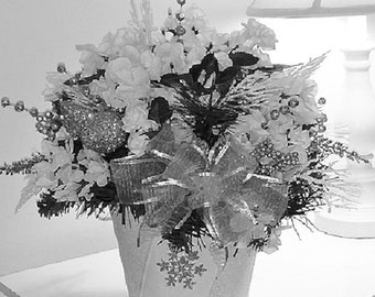 White Snowflake Holiday Arrangement