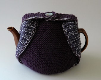 Woollen tea cosy in shades of purple / insulated tea cosy / handknitted / medium size teapot