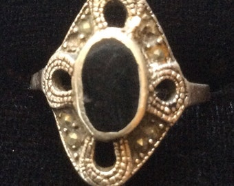 Vintage sterling black onyx stone ring