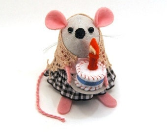 Felt Mouse with Birthday cake ornament birthday gift for women girlfriend wife mom mum cute felt mouse mice rat hamster ornament