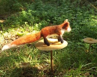 Little felted fox