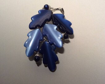 Lisner Blue Acorn Leaf Brooch