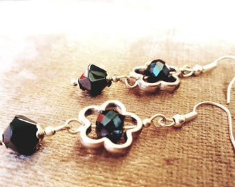 Beautiful flower earrings with silver flower and black bicones.