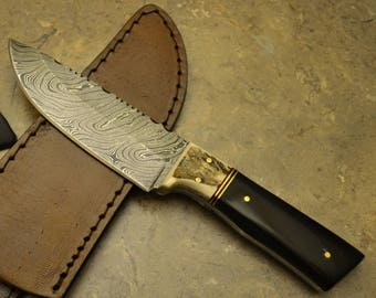 Damascus Steel Hunting Knife with Bull and Stag Horn Handle HK 18