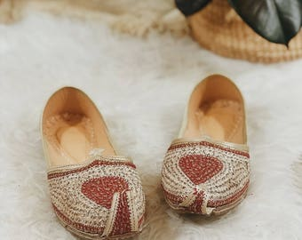 Moroccan slippers | vintage Moroccan slippers | middle eastern shoes | middle eastern slippers | vintage Middle Eastern boho slippers