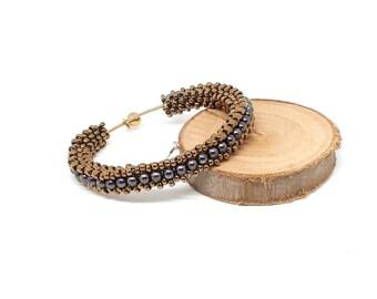 Bracciale rigido con perle viola Swarovski, bracciale bangle, tubolare di perline, bracciale donna, regalo compleanno, regalo per lei, ooak