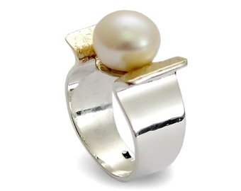 Pearl Gold and Silver Ring, Sterling silver and 9K yellow gold,  Freshwater pearl Ring, Engagement pearl ring, Bridal Jewelry,Statement Gift