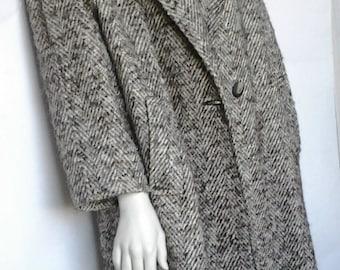 Tweed wool coat / 90s /Oversize/ Vintage / Women coat / Winter coat / Beige brown tweed/Herringbone coat