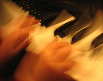 Photo Note Card / Blurry Hands Play Piano