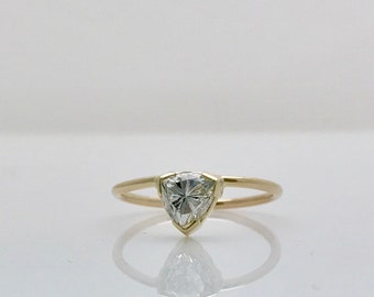 Minimalist 0.73 Carat Trillion Cut Diamond Ring - 14K Yellow Gold