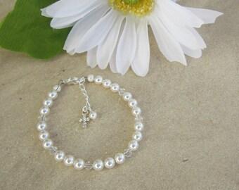First Communion Bracelet, Girls Pearl Bracelet, Girls Bracelet, Communion Jewelry, First Communion Gift, Adjustable Bracelet, Grow With you