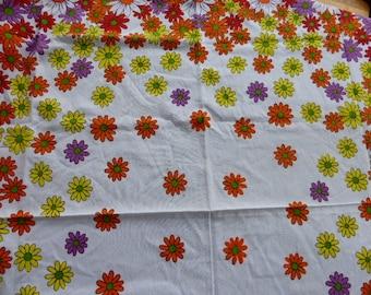 TABLECLOTH 1970, multicolor, daisies, power flowers, multiflowers vintage