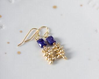 Boucles d'oreilles grappe dorées à l'or fin et pierres