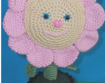 Crochet Pattern to create the daisy plant (Amigurumi tutorial PDF file)  13 pages e 14 Step by Step.