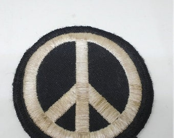 Spring Sale Vintage 1960s Peace Patch