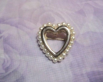 Vintage Faux Pearl Heart Pin