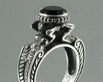 CARYATID Silver Ring with Black Spinel