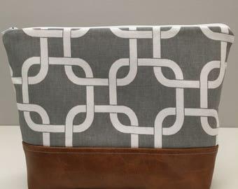 Gray Lattice Cosmetic Bag/Wet Bag