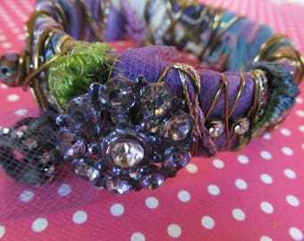 Boho Bracelet manchette, beaucoup o gypsy type goodies !