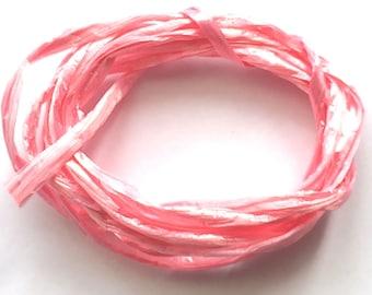 Pink raffia color