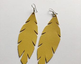 Cute leather feather earrings, simple earrings, statement earrings, leather earrings, leather feathers, leather feather earrings