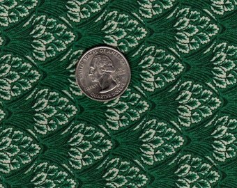 """Quilters 1/4 (18"""" x 22"""") Green Leaf Clusters Vintage Quilt Fabric OOP"""