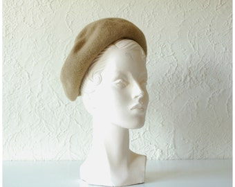 Lillle beret • 1950s felted wool hat