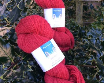 Vibrant red Border Leicester 4ply yarn